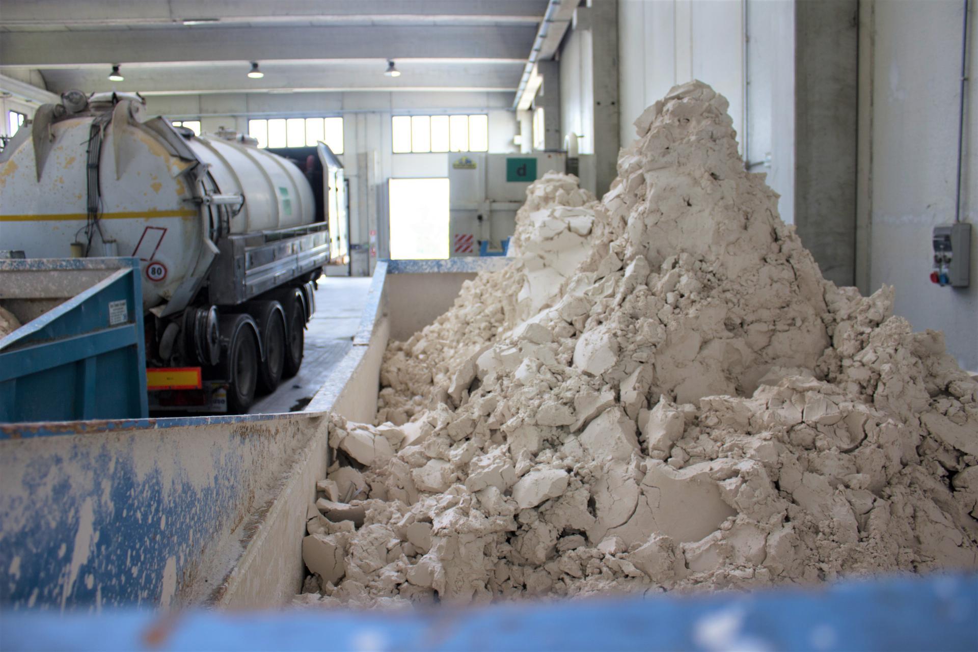 impianto di recupero e smaltimento rifiuti